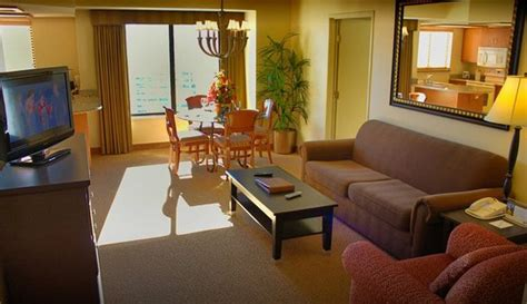 polo towers 2 bedroom suite polo towers suites 107 2 4 9 updated 2018 prices