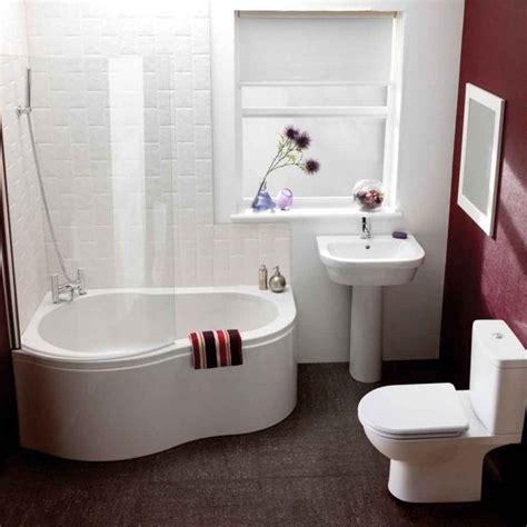 Kleines Bad Mit Dusche Und Fenster by Kleines Bad Fenster Wanne Dusche Kombination Glas