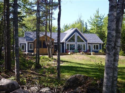 deluxe lakefront cottage ski cottage rental
