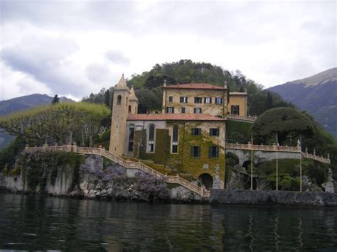 george clooney home george clooney s home in italy pictures to pin on