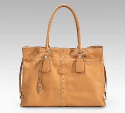 Name Katherine Heigls Designer Purse by Celebrate Handbags March 2011