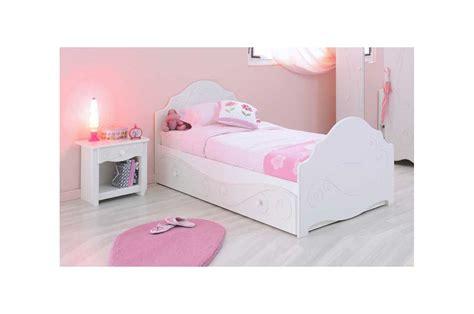 Lit design laqué blanc fille   Trendymobilier.com