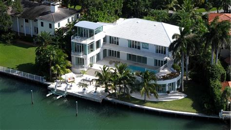 Colorado House by Miami Beach Home Of Late Bee Gee Sells For 13m