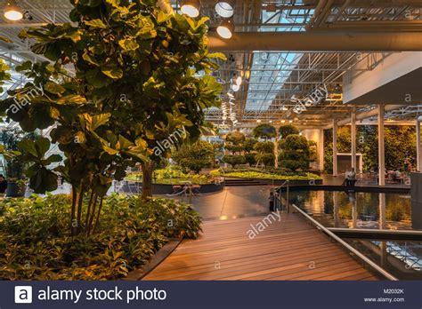 devonian gardens indoor park  core shopping centre
