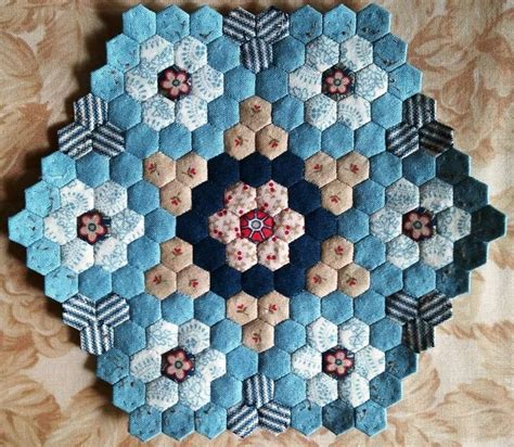 Patchwork Hexagon Patterns - 110 best images about hexagon and other epp quilts on