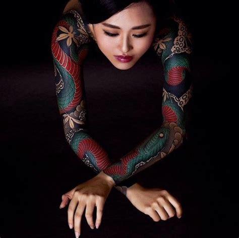 yakuza tattoo lady 25 best ideas about sleeve tattoo women on pinterest