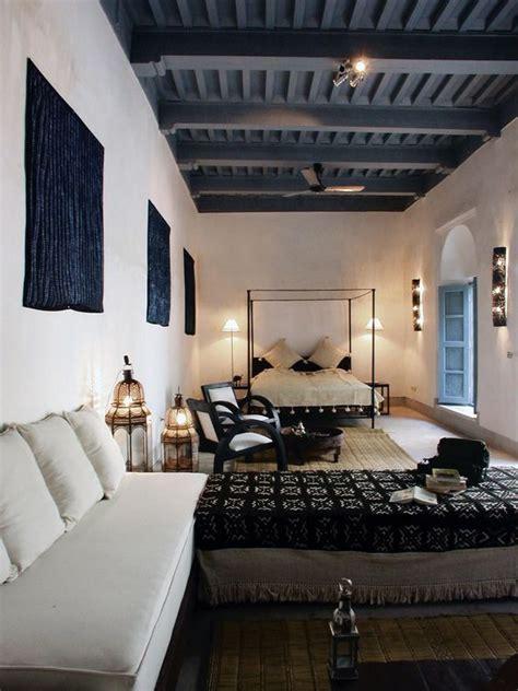 zwart plafond huis inrichtencom