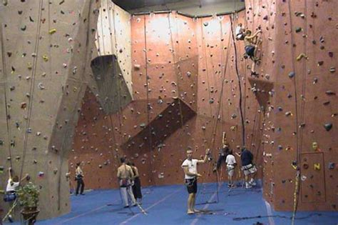 indoor rock climbing clothes