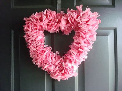 How To Make A Tissue Paper Wreath - it feel like home tissue paper wreath