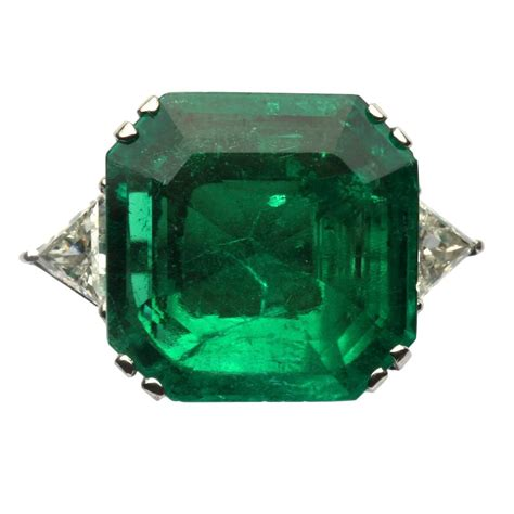 important 17 carat emerald gold ring for sale at