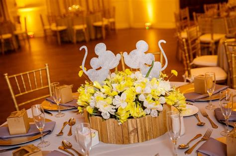 mickey mouse wedding centerpieces les 313 meilleures images du tableau mickey minnie mouse