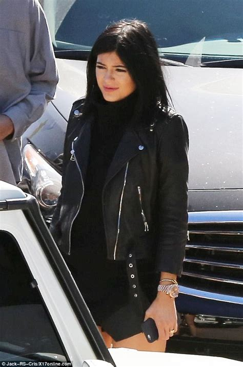 does bruce jenner have hair extensions kylie jenner tones down infamous pout for dad bruce s