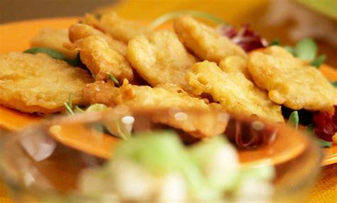 sedano fritto sedano rapa in insalata light con salsa di anacardi e in