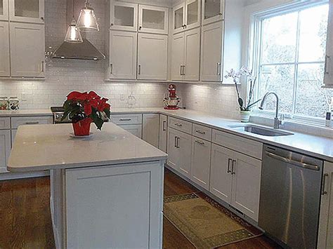 shaker painted cabinets new england kitchen remodel shaker white cabinets new england kitchen design