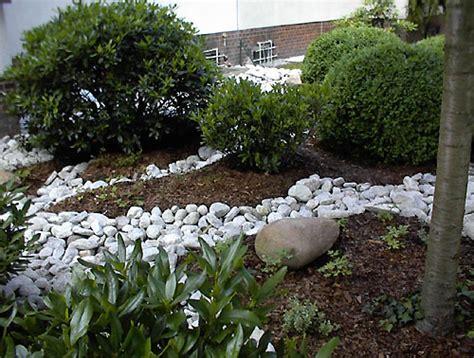 Vorgärten Mit Steinen by Gartengestaltung Mit Steinen Terrasse Mauer Weg