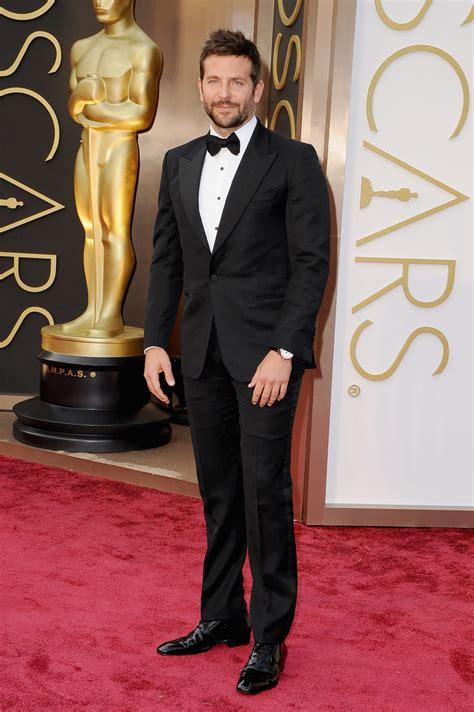 Bradley Cooper En La Alfombra Roja De Los Oscars 2014 Bradley Cooper En La Alfombra Roja De Los Oscar 2014 Tama 241 O Completo Fotos De Cine En Ecartelera