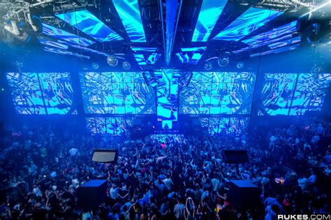 check out pictures from las vegas newest club light