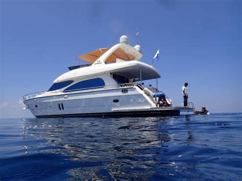 seattle boat show hotel specials luxury dive boat picture of four seasons resort maldives