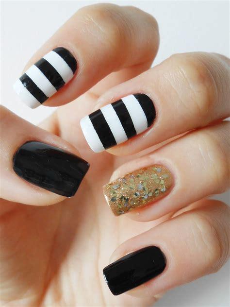 imagenes de uñas pintadas de rojo y negro 40 incre 237 bles dise 241 os en blanco y negro para pintar tus u 241 as