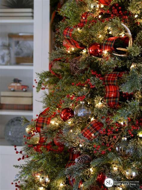 christmas tree decorating ideas with plaid ribbon traditional tartan plaid tree tree plaid
