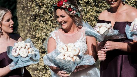 Wedding Bouquet Made Of Donuts by Uses Doughnuts Instead Of Flowers For Wedding