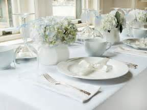 White Table Settings Entertaining Ideas Themes For Every Occasion Hgtv