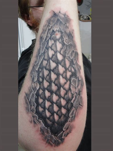 dragon scale tattoo scales away by revenants1 on deviantart
