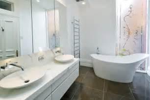 white bathroom ideas top