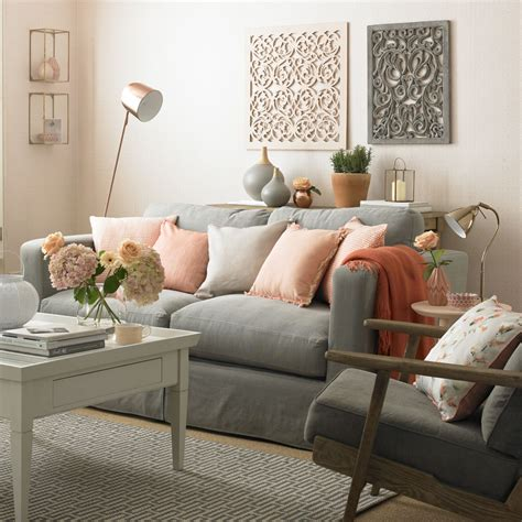 what colour walls with grey sofa what colour carpet goes with grey walls gray and white
