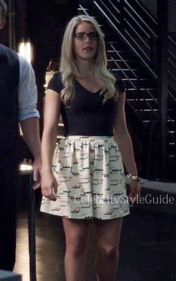Arrow Fashion Emily Bett Rickards As Felicity Wore A Printed Circle Mini Skirt On Arrow City Of