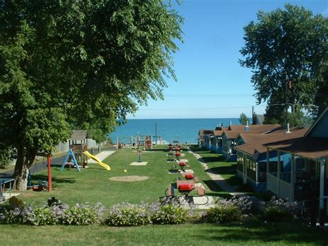 lakefront cottage rentals in michigan luskys lakefront resort cottages mi cottage