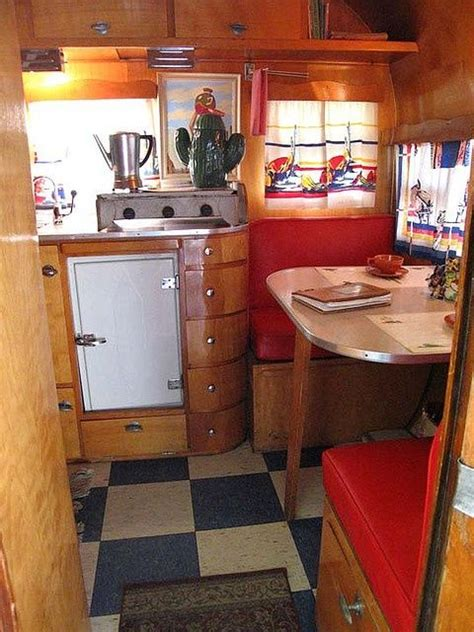 Vintage Travel Trailer Interior Pictures by 1000 Ideas About Retro Travel Trailers On