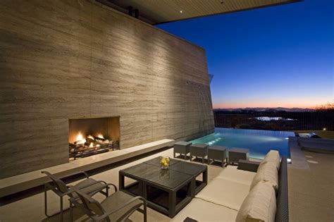 luxurious architectural interiors and outdoor living the desert wing house design by brent kendle