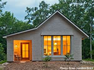 Cost To Build 600 Sq Ft House by Designed By Go Logic This 1 000 Square Foot Maine Home