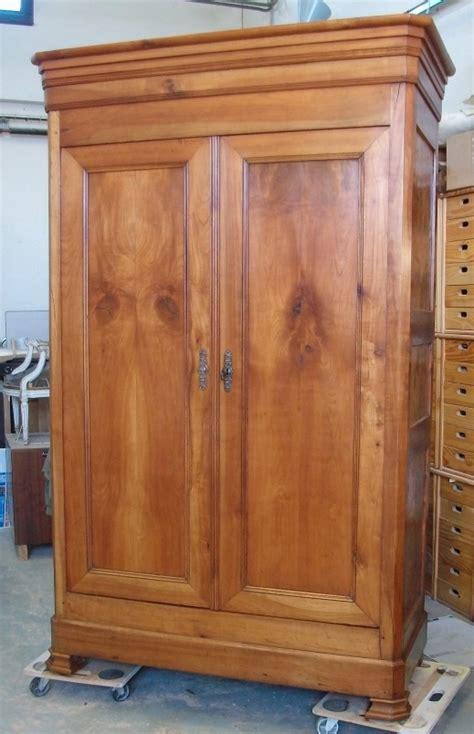 aménagement d'une armoire ancienneArt'ébèn