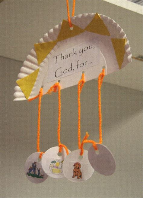 Paper Hanging Crafts - hanging paper plate to show different things we thank god