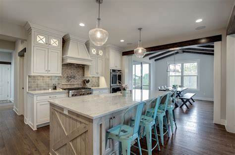 Modern Country Farmhouse Kitchen in Gray, White and