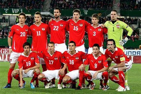 Schweizer Fussballnationalmannschaft Em Quali Gomez Rettet Deutschland Knapper Sieg Gegen