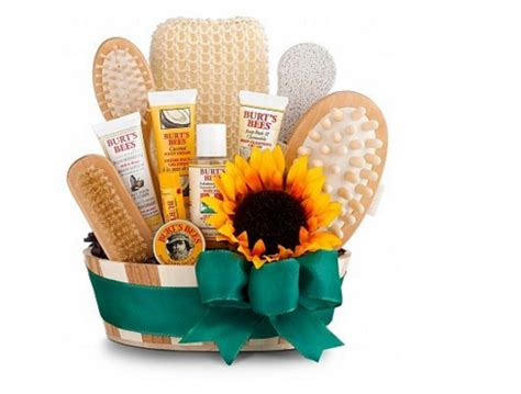 Bathroom Gift Basket Ideas S Top 10 Amazing Spa Gift Basket Ideas