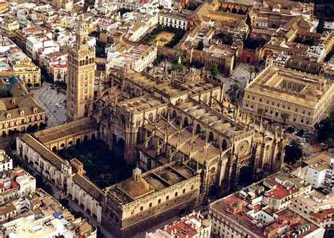 Gothic Church Floor Plan The Catedral De Sevilla With La Giralda Seeking The