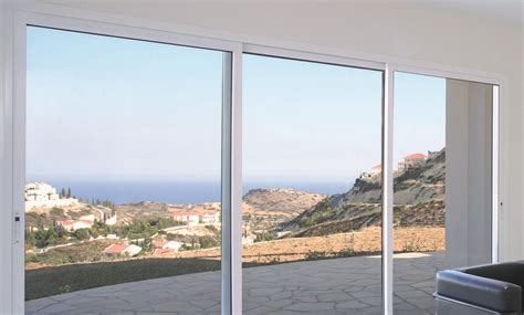 la ciudad con ventanas ventajas e inconvenientes de las ventanas correderas bricolaje