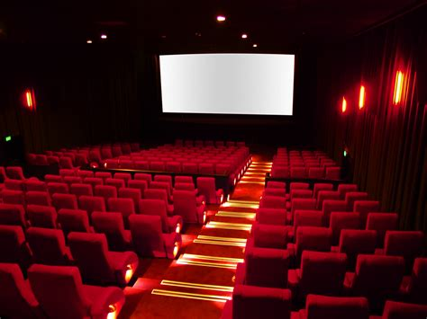 cineplex film 7 reasons you should still go to the movies