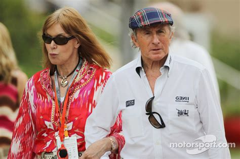 Jackie Stewart, with wife Helen Stewart (GBR) at Bahrain GP