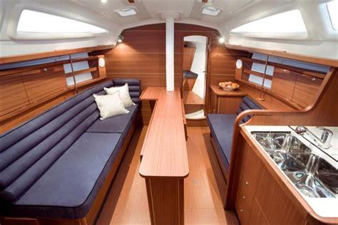 zeilboot james bond interieur delphia 33