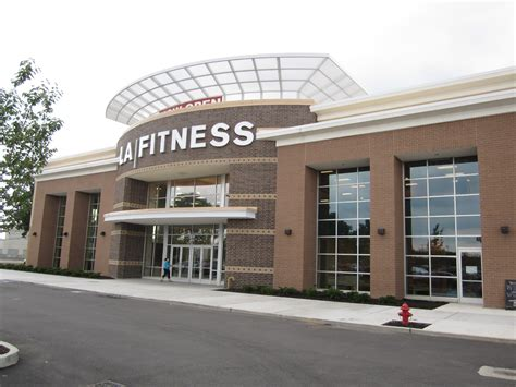 La Fitness Office by La Fitness Garden City Ny Impact Storefront Designs