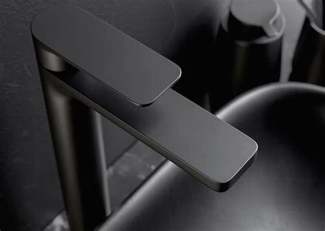 rubinetti bianchi bianchi rubinetterie design essenziale per il miscelatore