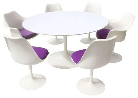 Eero Saarinen Tulip Table And Chairs 12 000 Est Retail Tulip Dining Table And Chairs