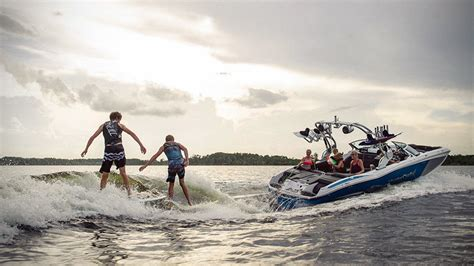 wake boat makes mastercraft x23 makes wave lets you surf even on calm