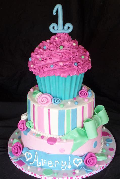 cupcake birthday cake cake size cupcakes