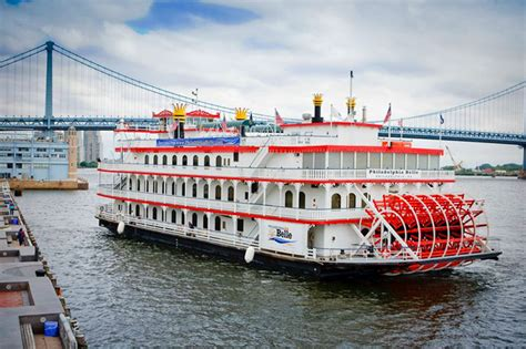 mississippi river boat cruises davenport the philadelphia belle a four deck paddlewheel style